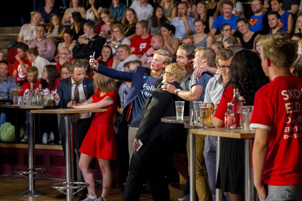 Vi gir deg en liten guide til hva slags valgflesk partiene byr på for å forføre studenten. Bildet er fra NRKs valgdebatt på Samfundet i 2015.