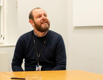 FORSKER PÅ KONSEKVENSER: Seniorforsker Andrew Booth ved Sintef forsker primært på de direkte og indirekte konsekvensene av mikroplast i marine økosystemer.