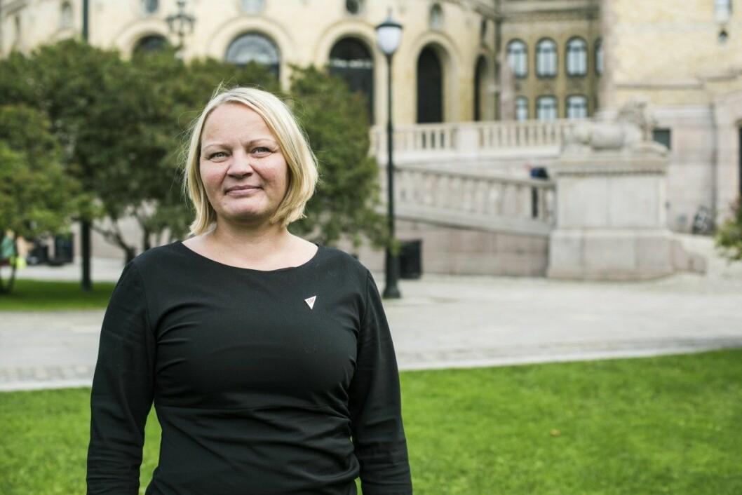 Stortingsrepresentant og SVs utdanningspolitiske talsperson Mona Fagerås mener at regjeringen bløffer studentene