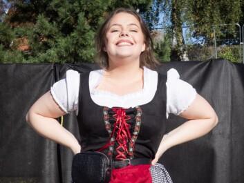 Annemarthe (22) elsker å kle seg ut, og tror oktoberfest blir årets event.