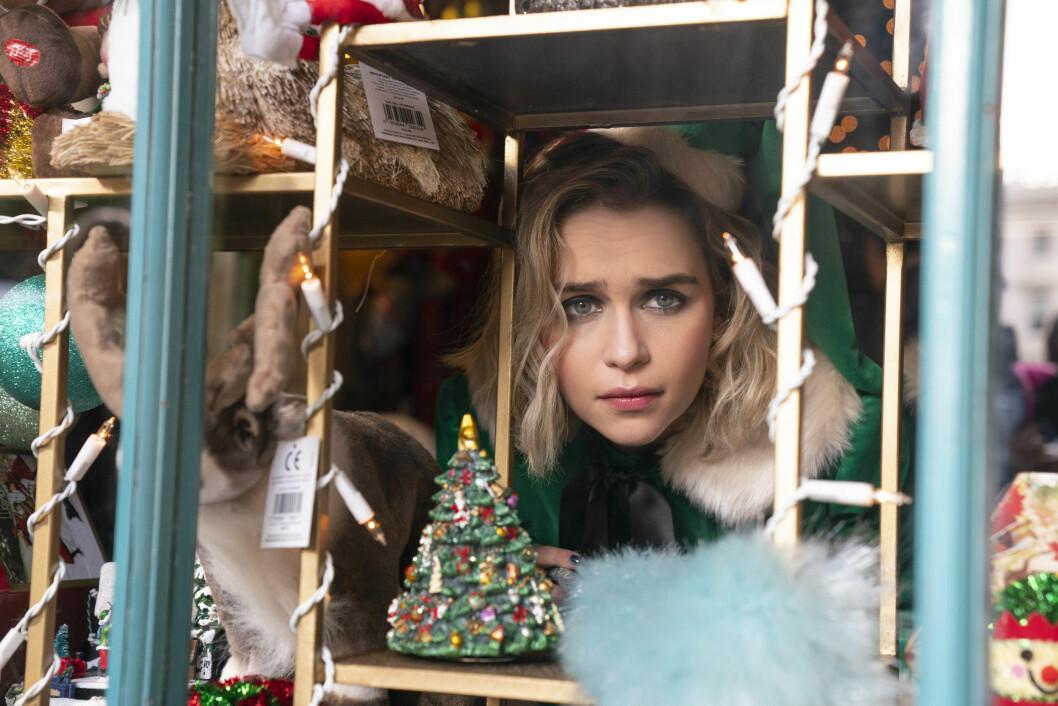 SUKKERSØT: Emilie Clarke ser kanskje sukkersøt ut i «Last Christmas», men gjemmer et mørkt indre.