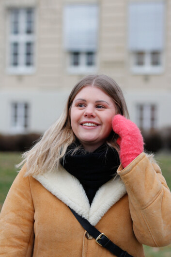 Martine-Othelie Almaas har vært i et miljø der mange slet psykisk. -- Det kunne ofte bli en kamp om hvem som hadde det verst. Jeg synes heller det skal være en kamp om å bli frisk, sier hun.