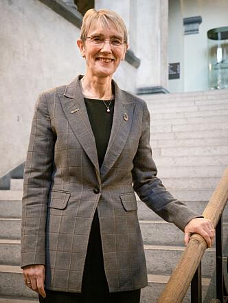 <strong>STOLT: </strong>Rekor Anne Borg er svært stolt av prisen til signaturemnet til NTNU.
