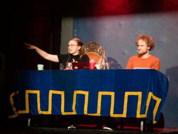 Styret prøvde å begrense taleliste i første utspørring til tolv spørsmål, dette ble utvidet til 15 etter innvendinger fra Wittington. Foto: Torstein Olav Eriksen.