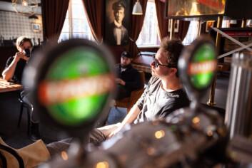 PÅ EDGAR: Christopher Devik, Bendik Austnes, Nikolai Anfeltmo og bryggmester Petter Svalby i en av venteperiodene.