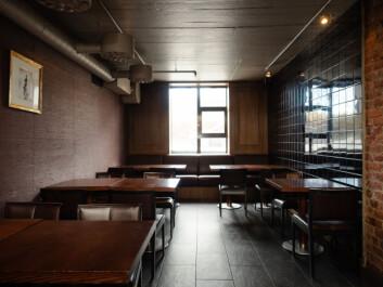 **Lillekjøkkenet:** Navnet på området kommer av at det en gang var en del av kjøkkenet. Her skal fligulvet byttes ut og akustikkplater skal festes i taket.
