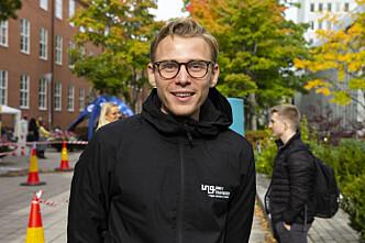<b>ANSVAR: </b>Kommunikasjonsansvarlig for Ung i trafikken Henrik Pettersen Sunde synes el-sparkesykkelfirmaene burde ta mer ansvar.