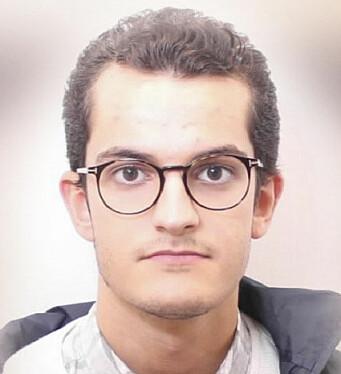 DRAGVOLLSTUDENT: Simon Bouazaza Bratsve er en av dem som har opplevd at bussene er for fulle.