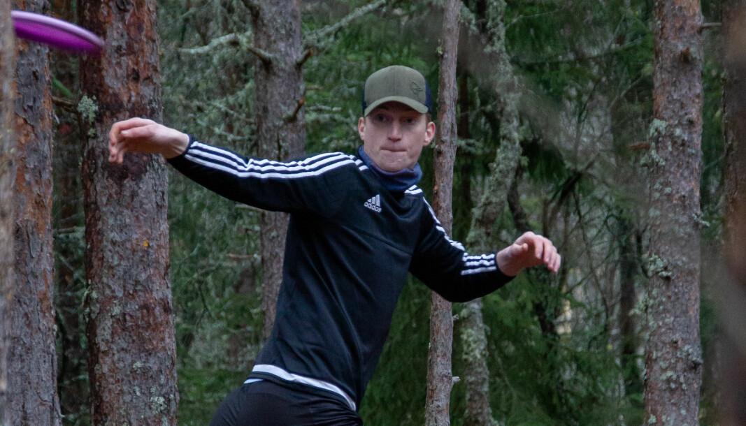 <b>TIL SKOGS:</b> Frisbeegolf tilbyr både naturopplevelser og mosjon.