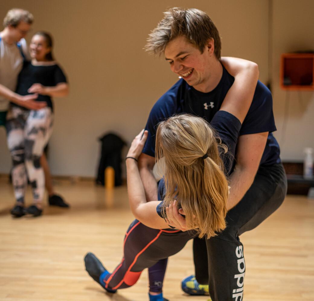 <b>DANS DANS DANS: </b>Nivået på dansen hos NTNUI-swing er høyere enn i Bodegaen