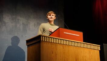 """<span class=""""font-weight-bold"""" data-lab-font_weight_desktop=""""font-weight-bold"""">UNDER FEMTI: </span>Fredrik Akre ønsker å ha flere studenter inn i debattene."""