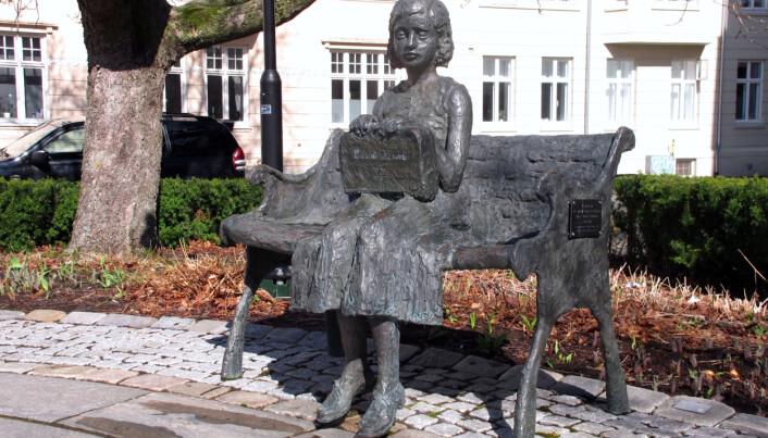 Cissi Klein (1997) av Tone Ek og Tore Bjørn Skjølsvik.