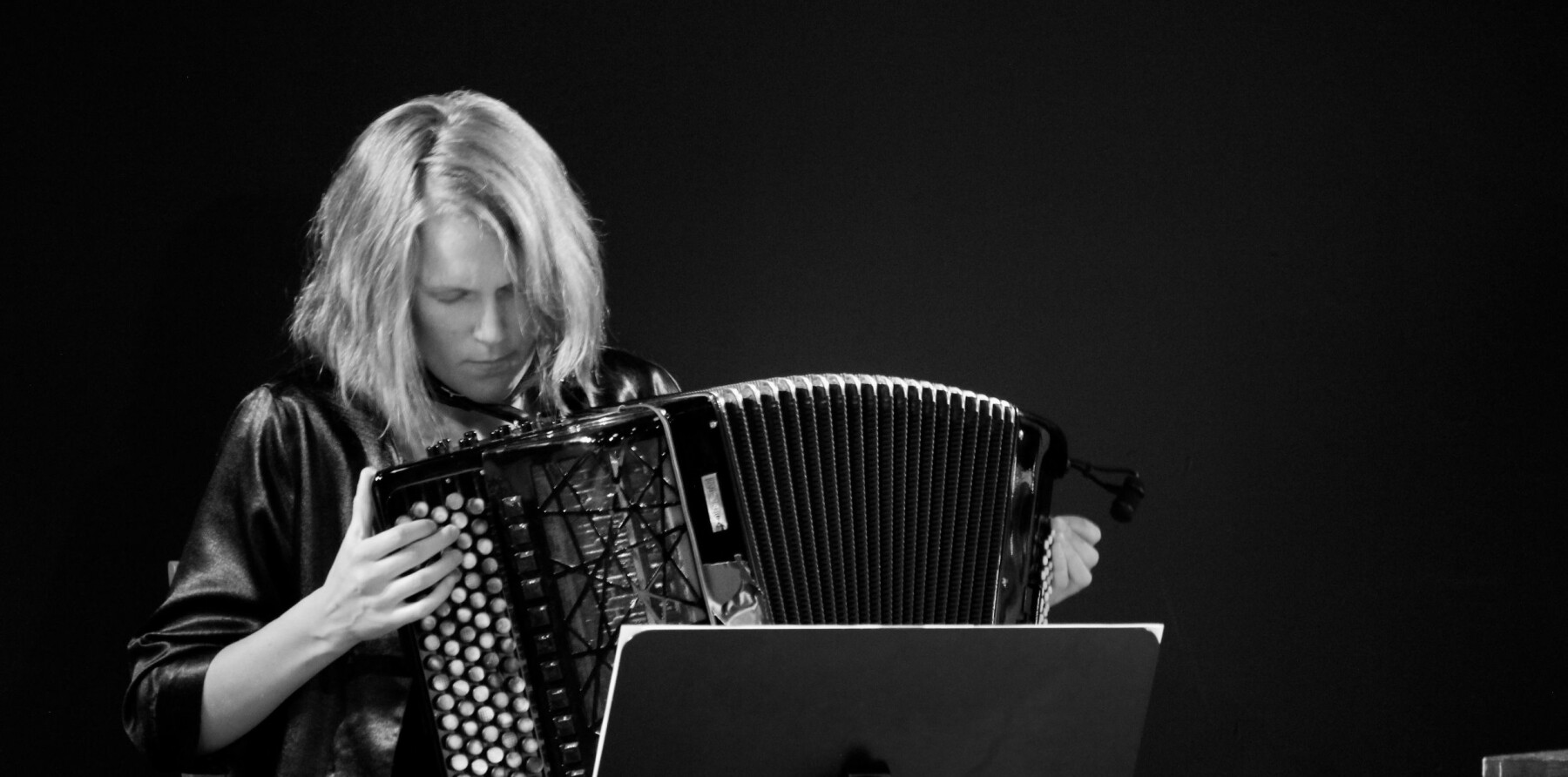 """<span class="""" font-weight-bold"""" data-lab-font_weight_desktop=""""font-weight-bold"""">JAZZ:</span> Trondheim Jazzorkester kan by på unike lydbilder og eksentriske improvisasjoner."""