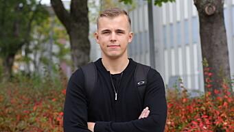 SMITTE: Stian Jørgensen er ikke bekymret for smitte på campus.
